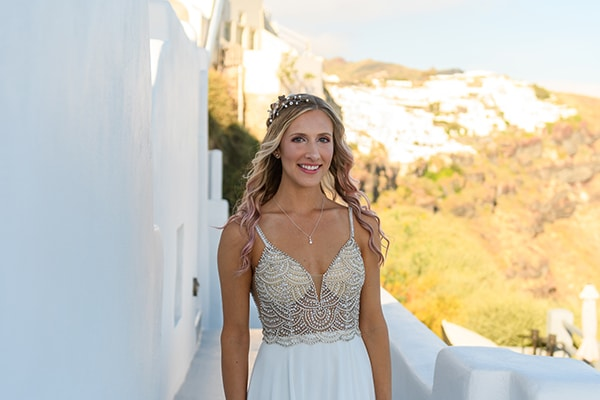 stunning-spring-wedding-santorini-magical-view_04x