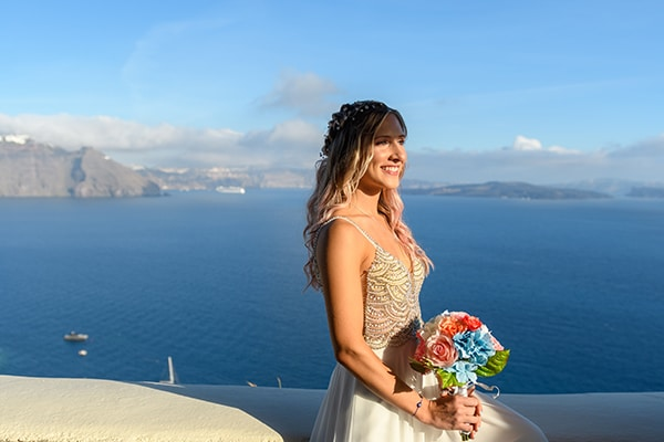stunning-spring-wedding-santorini-magical-view_05x