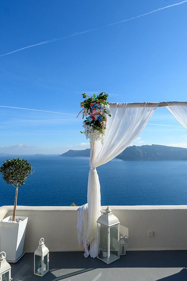 stunning-spring-wedding-santorini-magical-view_08