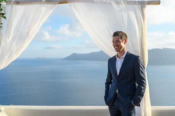 stunning-spring-wedding-santorini-magical-view_10