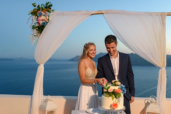 stunning-spring-wedding-santorini-magical-view_18
