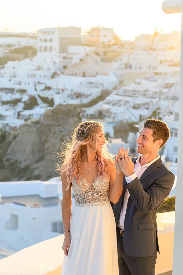 stunning-spring-wedding-santorini-magical-view_20