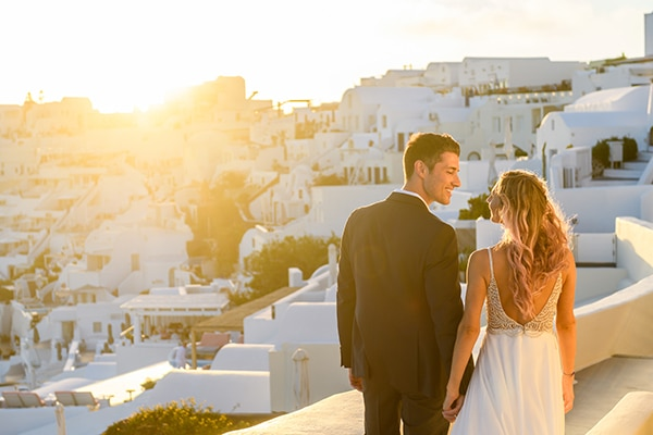 stunning-spring-wedding-santorini-magical-view_21