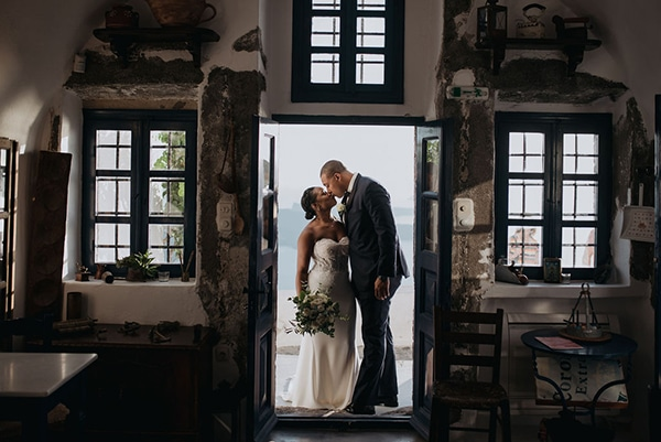 beautiful-wedding-dreamy-view-santorini_13