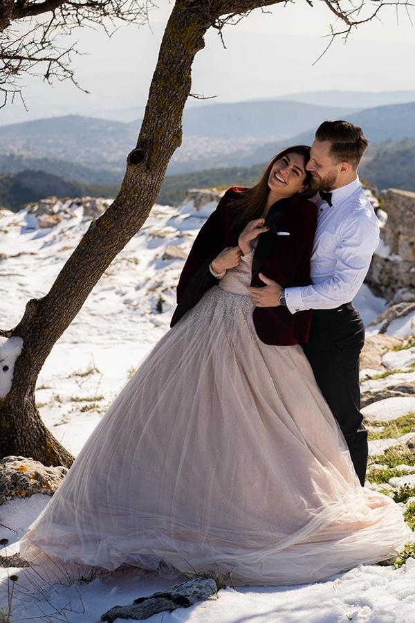 beautiful-winter-wedding-athens-burgundy-hues_01x