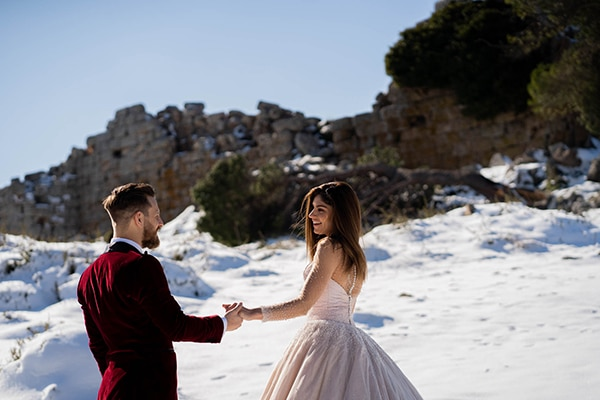 beautiful-winter-wedding-athens-burgundy-hues_02