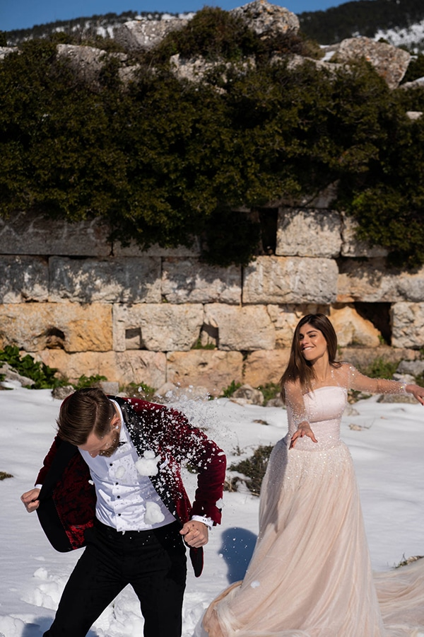beautiful-winter-wedding-athens-burgundy-hues_02x