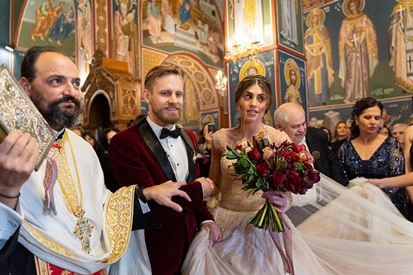beautiful-winter-wedding-athens-burgundy-hues_09x