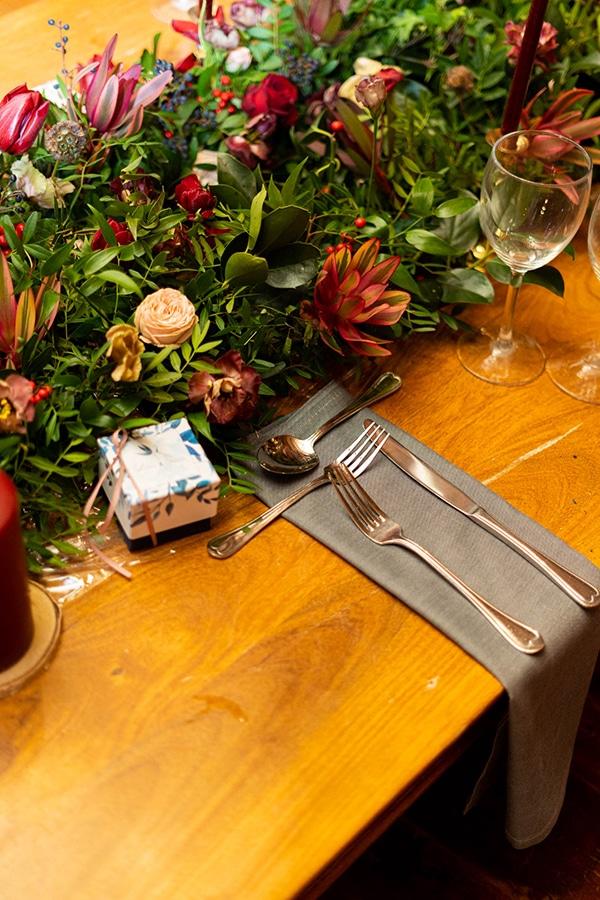 beautiful-winter-wedding-athens-burgundy-hues_13x