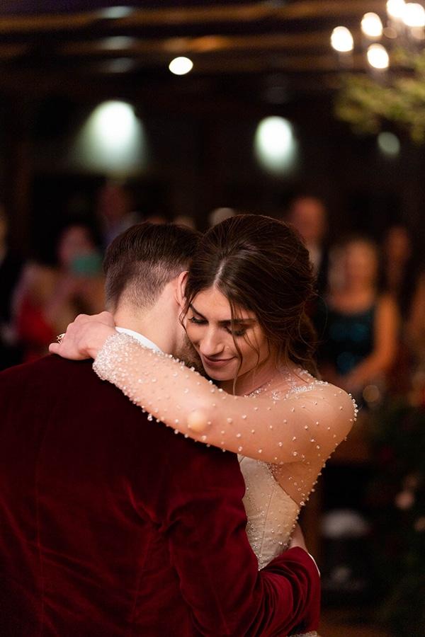 beautiful-winter-wedding-athens-burgundy-hues_15x