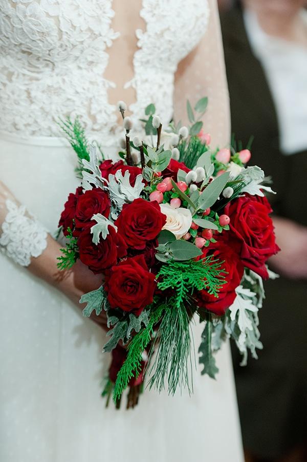 Μοντερνα νυφικη ανθοδεσμη για χειμωνιατικο γαμο