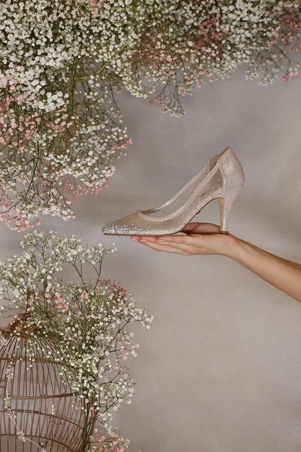fairytale-bridal-shoes-savrani-creations-floral-patterns-crystals-lace-details_01x