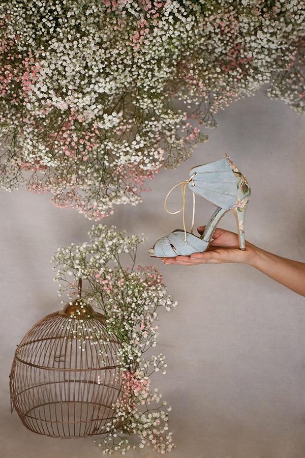 fairytale-bridal-shoes-savrani-creations-floral-patterns-crystals-lace-details_02