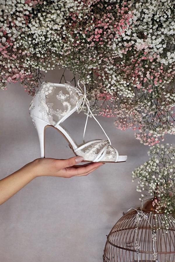fairytale-bridal-shoes-savrani-creations-floral-patterns-crystals-lace-details_03