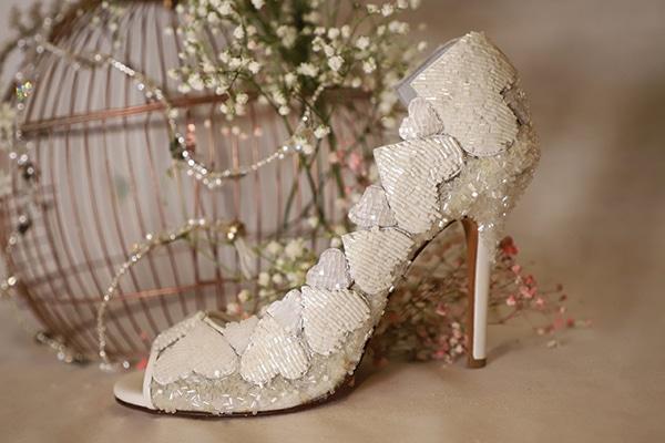 fairytale-bridal-shoes-savrani-creations-floral-patterns-crystals-lace-details_05