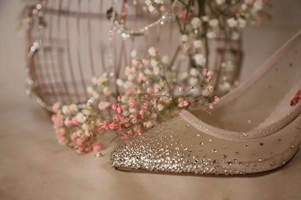 fairytale-bridal-shoes-savrani-creations-floral-patterns-crystals-lace-details_08x