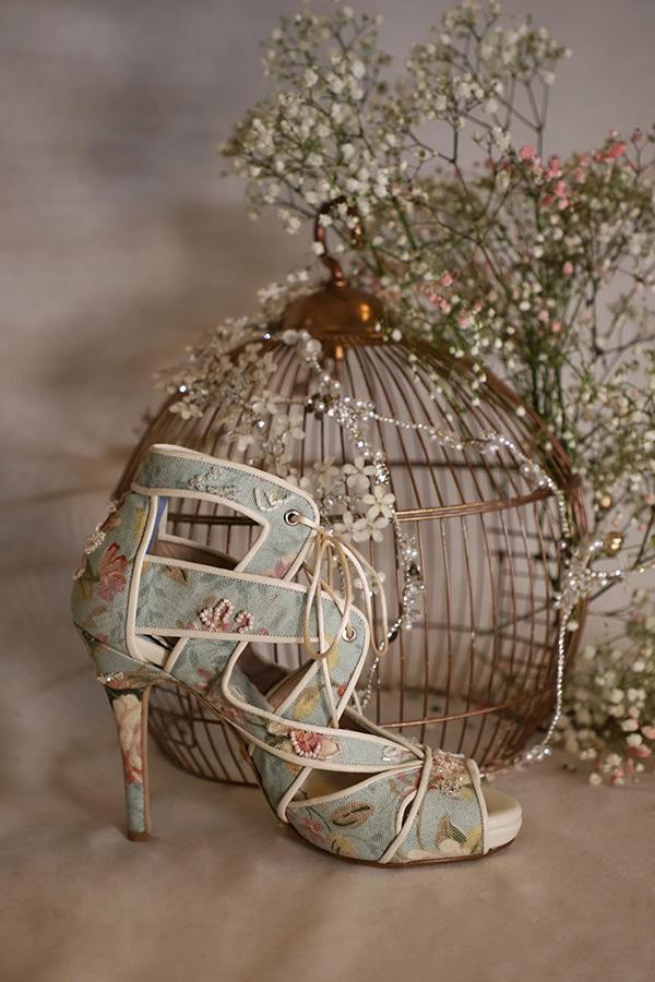 fairytale-bridal-shoes-savrani-creations-floral-patterns-crystals-lace-details_10