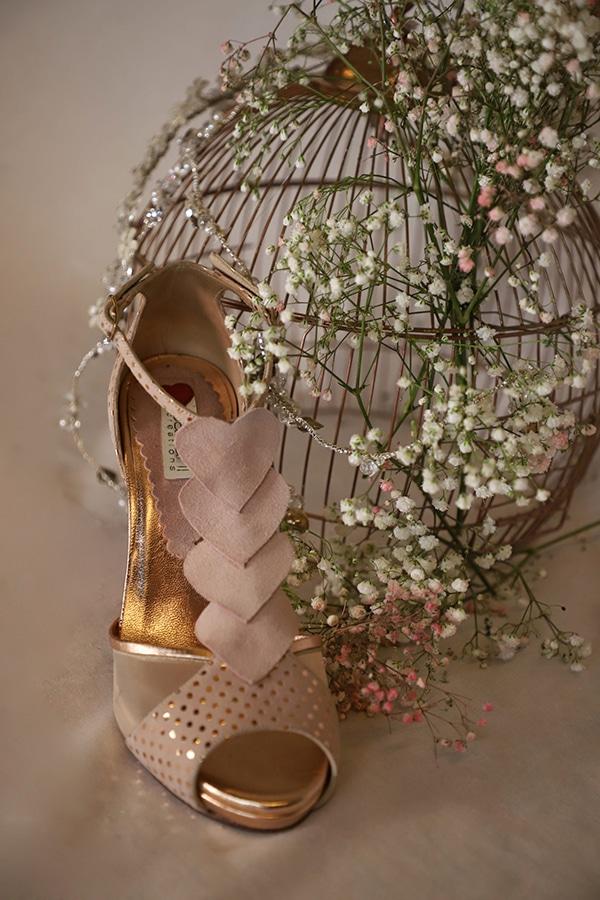 fairytale-bridal-shoes-savrani-creations-floral-patterns-crystals-lace-details_18