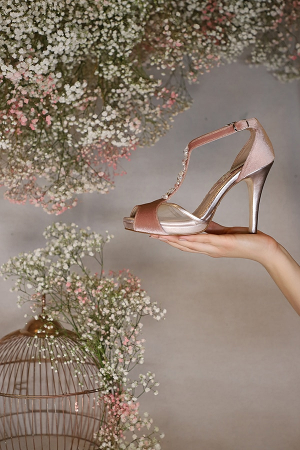 fairytale-bridal-shoes-savrani-creations-floral-patterns-crystals-lace-details_22