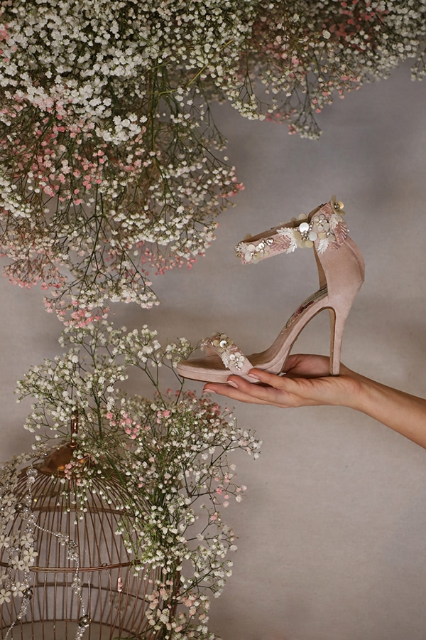 fairytale-bridal-shoes-savrani-creations-floral-patterns-crystals-lace-details_28