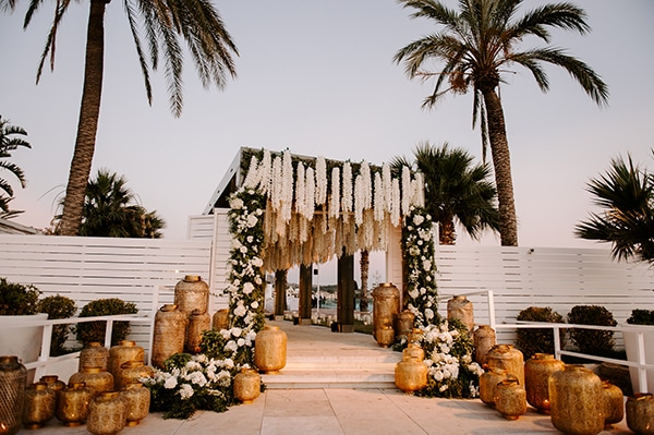 impressive-white-decoration-summer-wedding-flowers-romantic-details-_07x