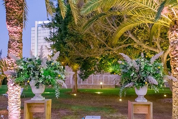montern-rustic-fall-wedding-nicosia-stunning-floral-design_18
