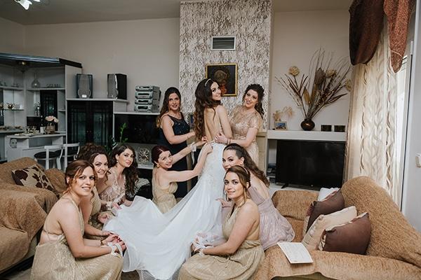 outdoor-summer-wedding-crete-white-gold-hues_07x
