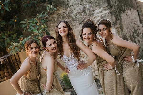 outdoor-summer-wedding-crete-white-gold-hues_08