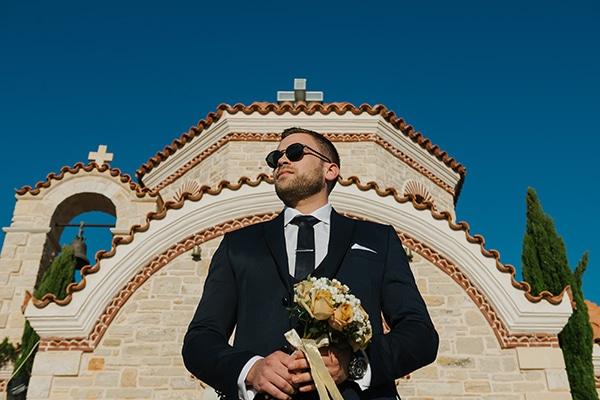 outdoor-summer-wedding-crete-white-gold-hues_13