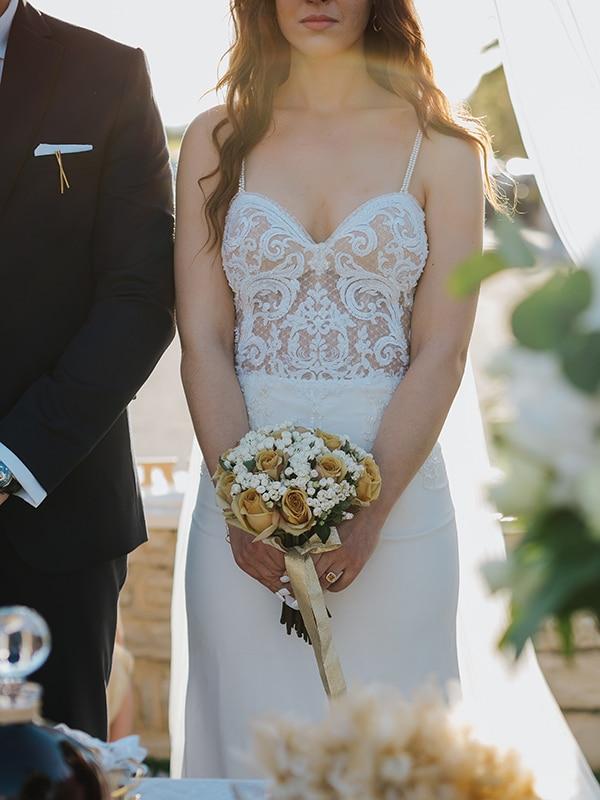 outdoor-summer-wedding-crete-white-gold-hues_18