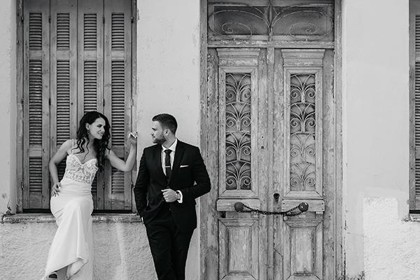 outdoor-summer-wedding-crete-white-gold-hues_22