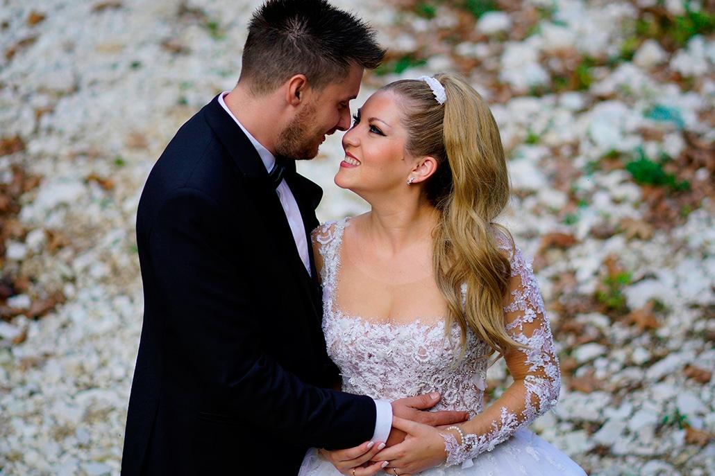 Ρομαντικός φθινοπωρινός γάμος στην Ηγουμενίτσα με υπέροχο ανθοστολισμό │ Βασούλα & Πέτρος