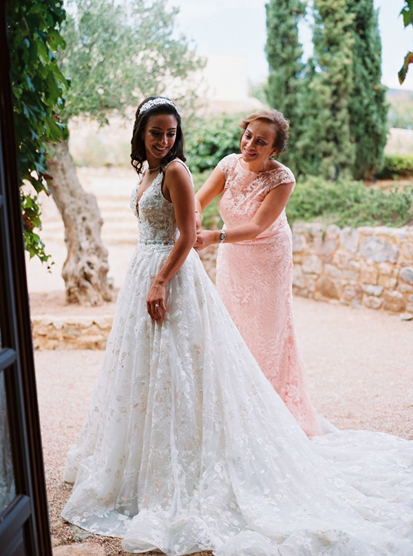 romantic-summer-wedding-hatzi-mansion_04x