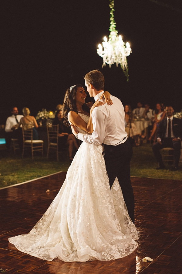 romantic-summer-wedding-hatzi-mansion_18