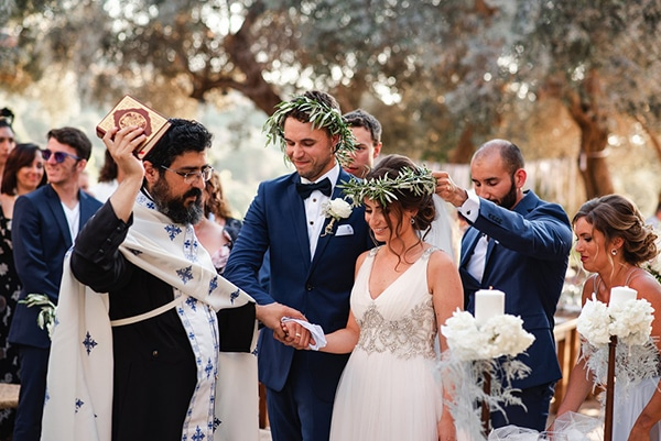 rustic-summer-wedding-crete-olives-romantic-details_24