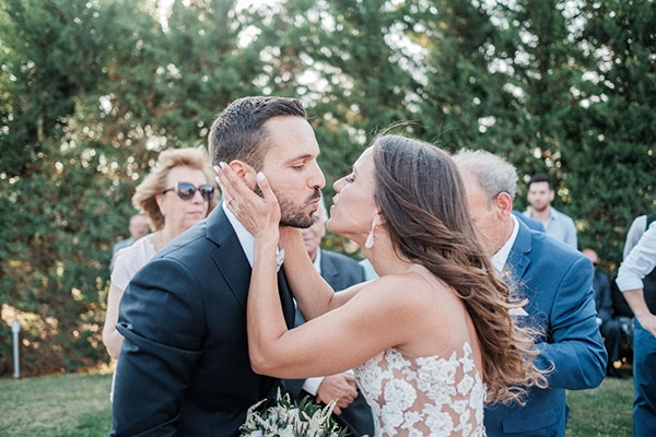 stunning-summer-wedding-athens-lavender-wheats-romantic-details_23