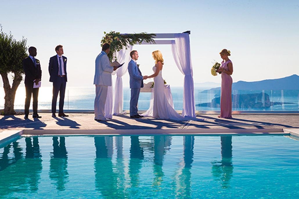 Aξέχαστο honeymoon στο μαγευτικό Thermes Luxury Villas and Spa της Σαντορίνης!