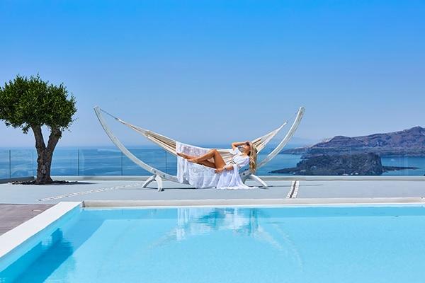 unforgettable-honeymoon-magical-luxury-villas-spa-santorini-island_04