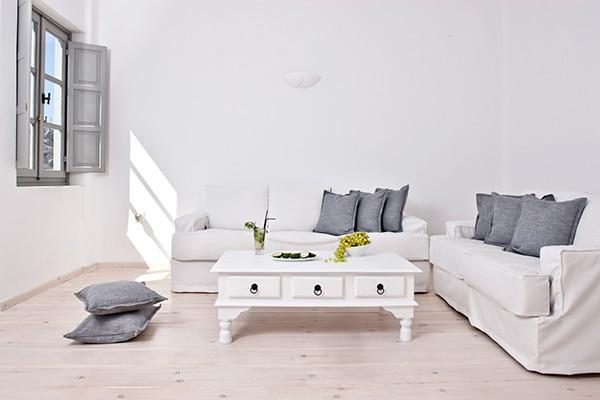 unforgettable-honeymoon-magical-luxury-villas-spa-santorini-island_11