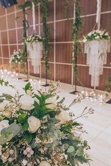 Elegant στολισμος δεξιωσης γαμου με ρομαντικες λεπτομερειες