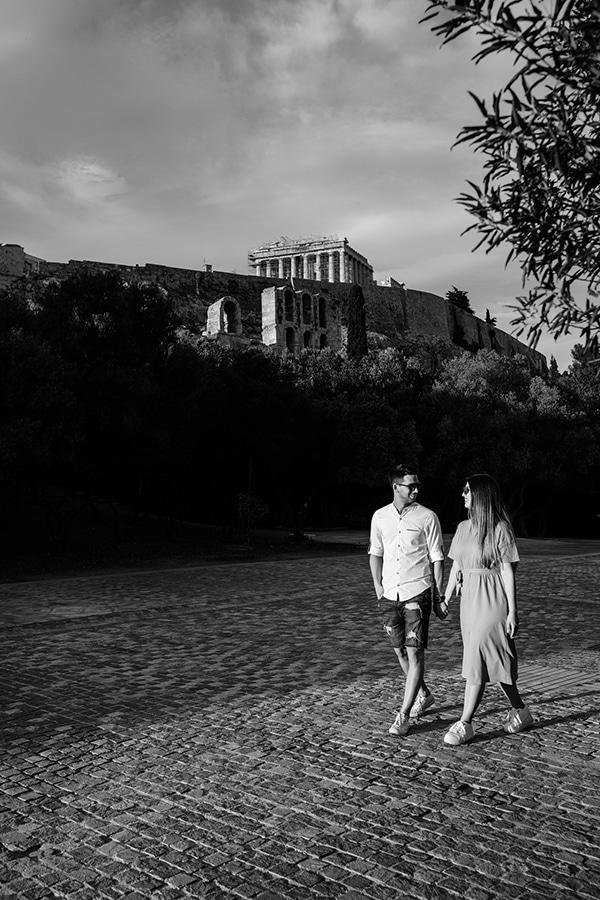 beautiful-engagement-shoot-plaka-athens-_08x