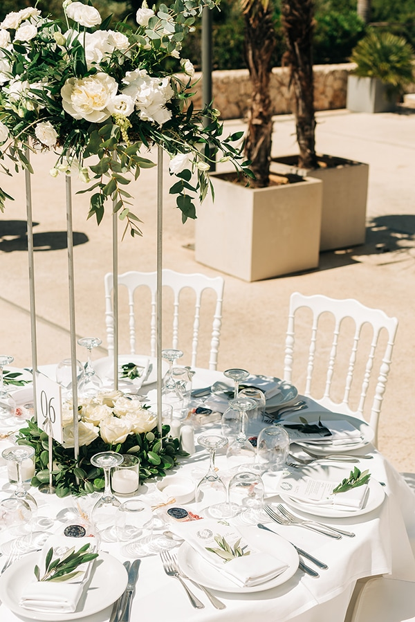 beautiful-spring-wedding-kefalonia-olive-branches-white-flowers-_20