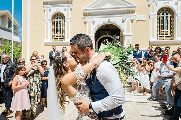 Πανέμορφος ανοιξιάτικος γάμος στην Κεφαλονιά με κλαδιά ελιάς και λευκά άνθη │ Anjelique & Finn