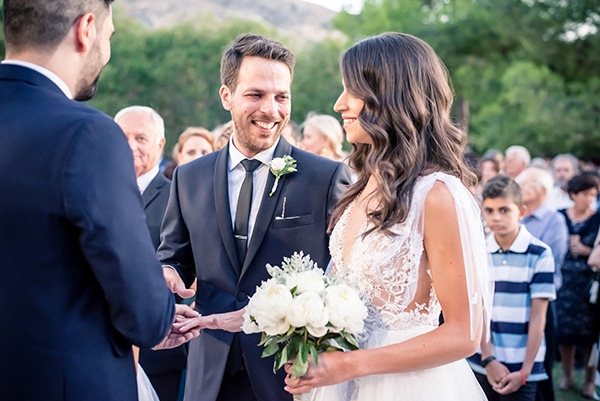 beautiful-summer-wedding-chania-crete-pampas-grass-burgundy-hues-_10