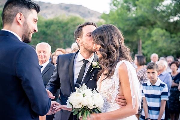 beautiful-summer-wedding-chania-crete-pampas-grass-burgundy-hues-_11