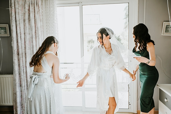 beautiful-summer-wedding-white-roses_05x