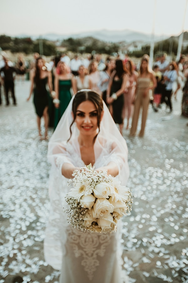 beautiful-summer-wedding-white-roses_13