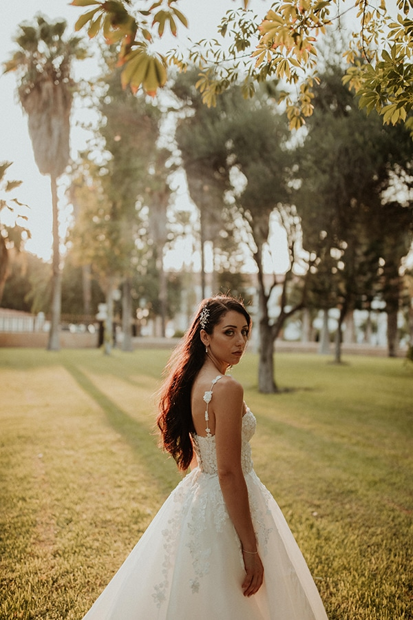 destination-wedding-fairy-lights-elegant-details-_01x