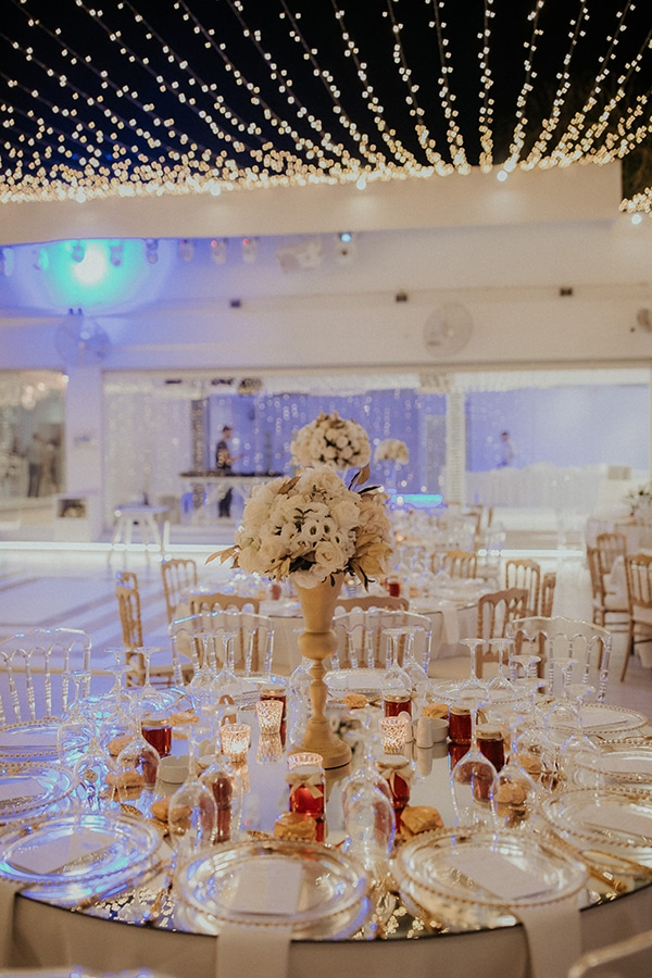 destination-wedding-fairy-lights-elegant-details-_19