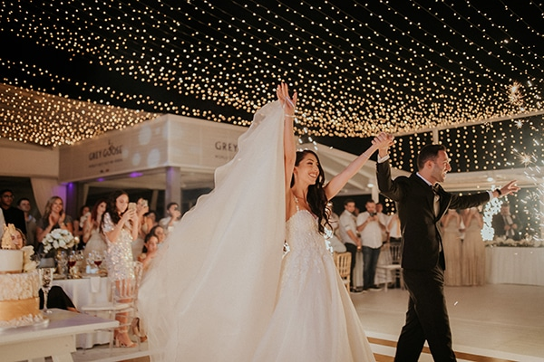 destination-wedding-fairy-lights-elegant-details-_23